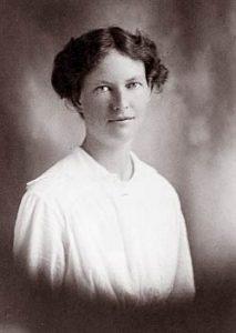 Esther Carson Winans